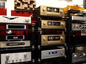 High-end erősítők, high-end hangfalak, lemezjátszók